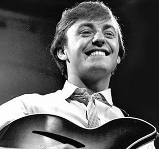 Gerry Marsden of Gerry and the Pacemakers on why he can't help but entertain