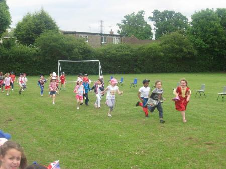 Pupils at Pope Paul School in Potters Bar take part in Jubilee fun run
