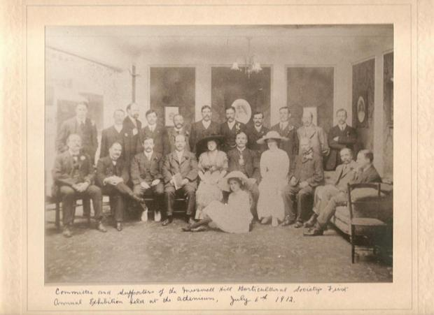 Original members of the Muswell Hill and District Horticultural Society in 1912.