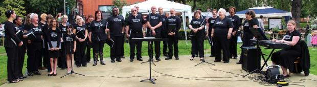 Tottenham choir beat downpours on Sunday
