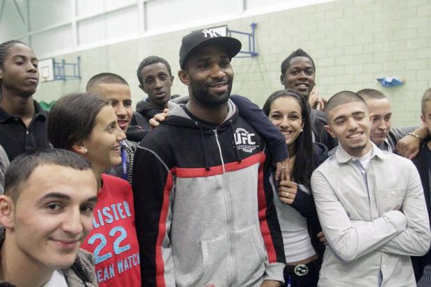 Jimi Manuwa talks to pupils at Haringey College