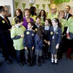 Haringey Independent: Esther Rantzen joined Michael Sobell Sinai school pupils and Islamia school pupils delivering mosaics to the Barnet Refugee Service