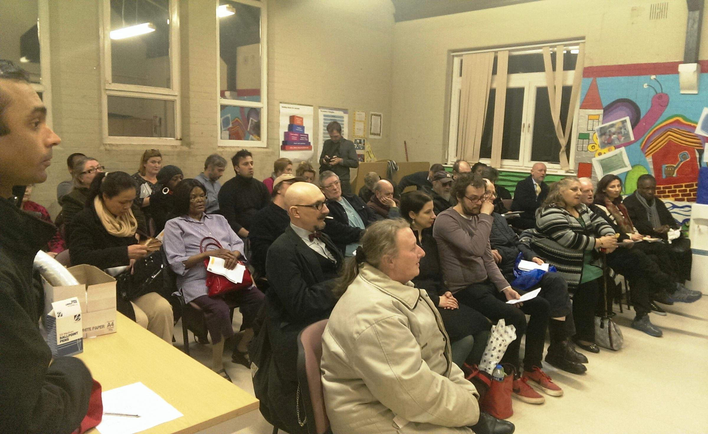 More than 50 people attended a meeting to call for urgent repairs to homes in the Noel Park estate.